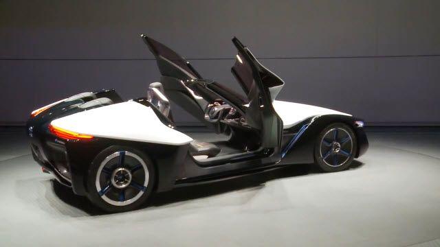 Nissan'ın Elektrikli Arabası BladeGlider Görenleri Şaşırttı