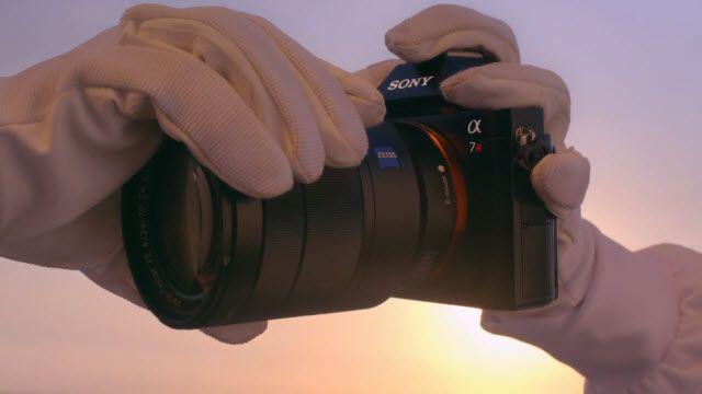 Sony A7R - Dünyanın İlk Aynasız Tam Kare Değiştirilebilir Objektifli Dijital Fotoğraf Makinesi