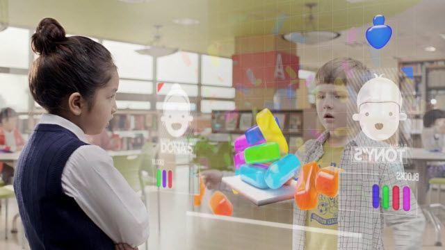Samsung'dan Ekran Merkezli Bir Dünya