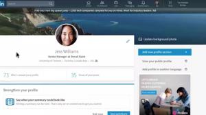LinkedIn Yeni Tasarımıyla Facebook'a Göz Kırpıyor