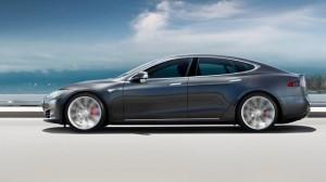 Tesla'nın Otomatik Pilotu Bu Kez Hayat Kurtardı