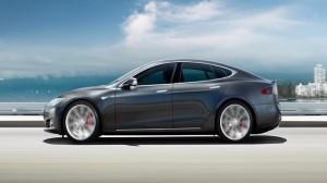 Tesla Model S Test Sürüşünde Alev Aldı