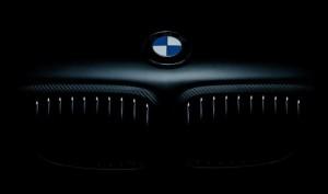 BMW 550i Sahibi Hırsızı Uzaktan Arabanın İçine Kilitledi