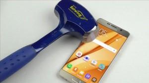 Samsung Galaxy Note 5'in Çekiçle İmtihanı