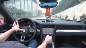 Porsche 911 ile Nasıl DOOM Oynanır