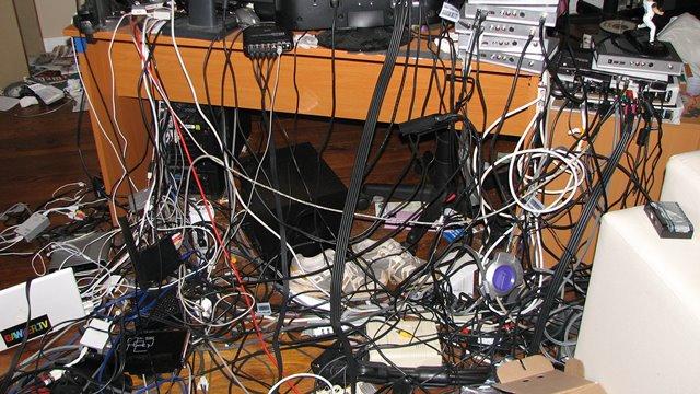 Dağınık Bilgisayar Kablolarından Kurtulun!