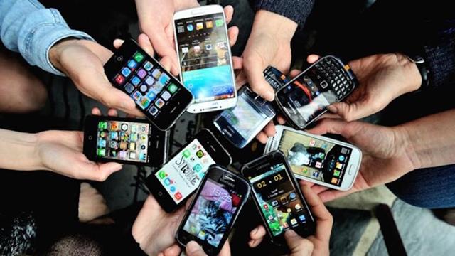 Resim http://img.tamindir.com/ti_e_ul/barisyanik/farkli-mobil-telefonlar.jpg