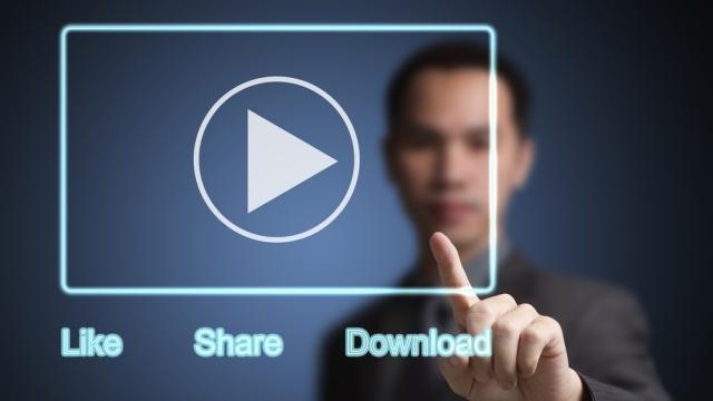 Facebook, Videoları Telefona Kaydetme Özelliğini Test Ediyor