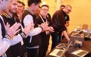 iPhone 6S ve Nexus 6P'yi Hacklediler, 100 Bin Doları Kaptılar