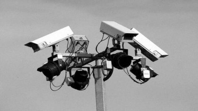 Edward Snowden: Internet Oldukça Kırılgandı Artık Tamamen Tuzla Buz Olmuş Durumda