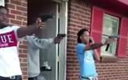 Viral Olsun Diye Silahlarla  Mannequin Challenge Çekenler Kodesi Boyladı
