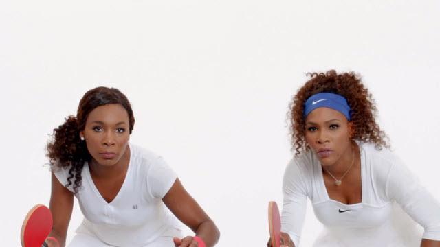 Serena ve Venus Williams'lı Yeni iPhone 5 Reklamı